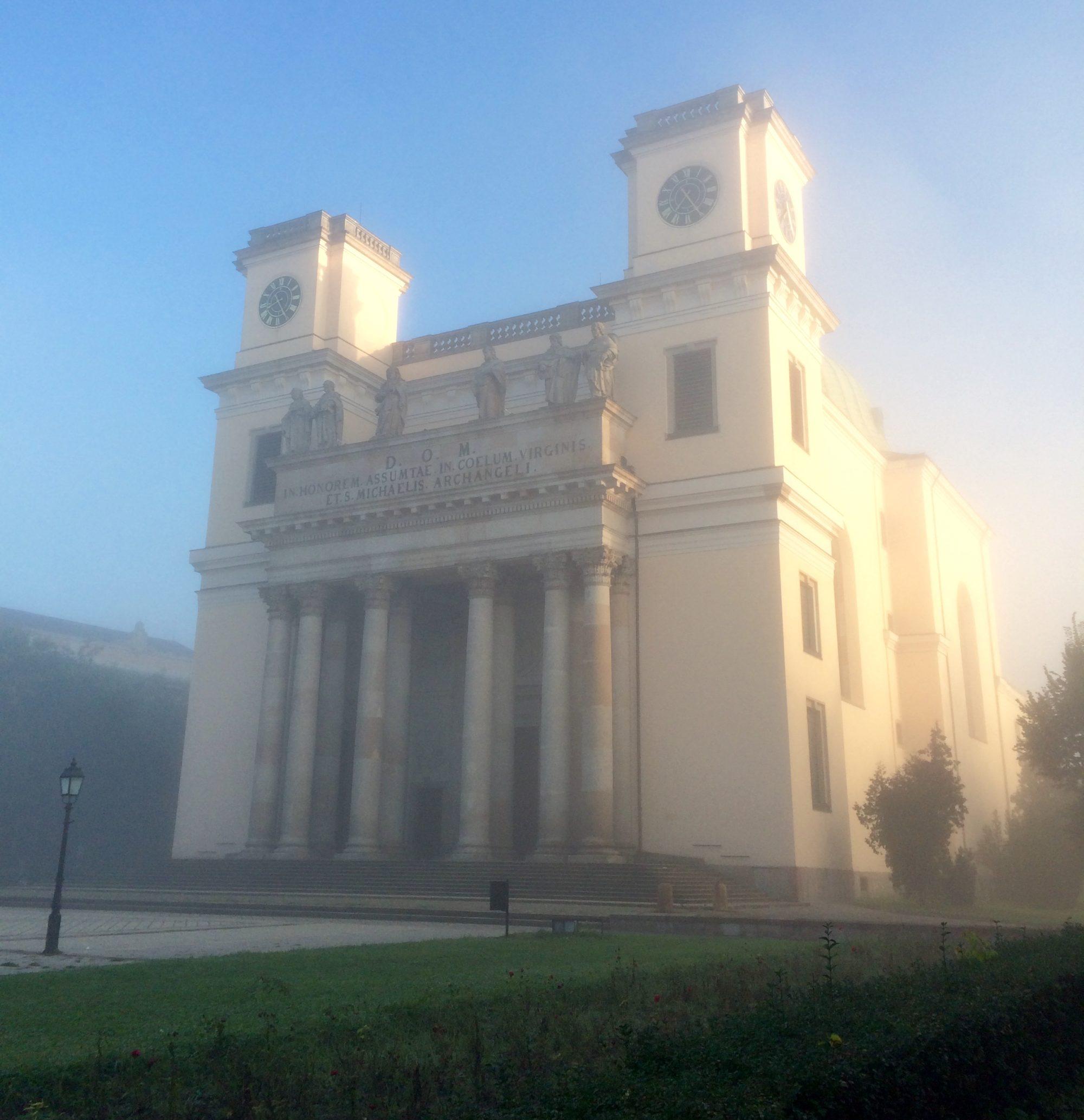 liturgia.vaciegyhazmegye.hu